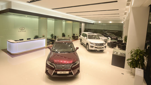 autodaily showroom lexus (2).jpg