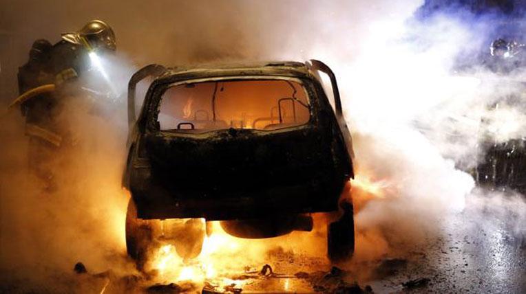 autodaily-burn-car-(2).jpg