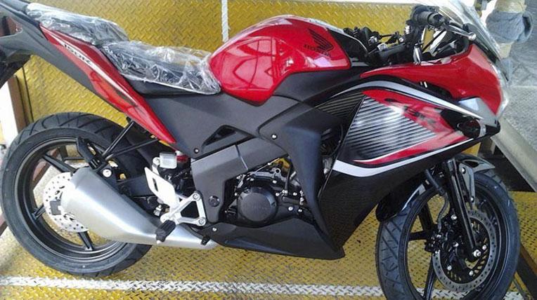 HondaCBR150R-4.jpg