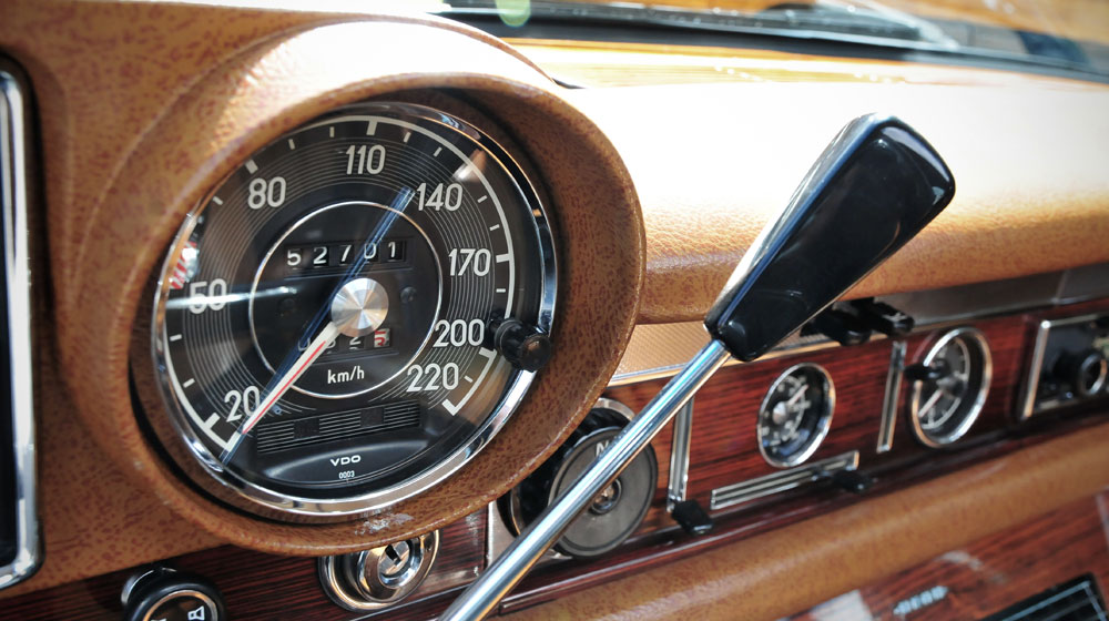 Mercedes-Benz-600-speedometer.jpg