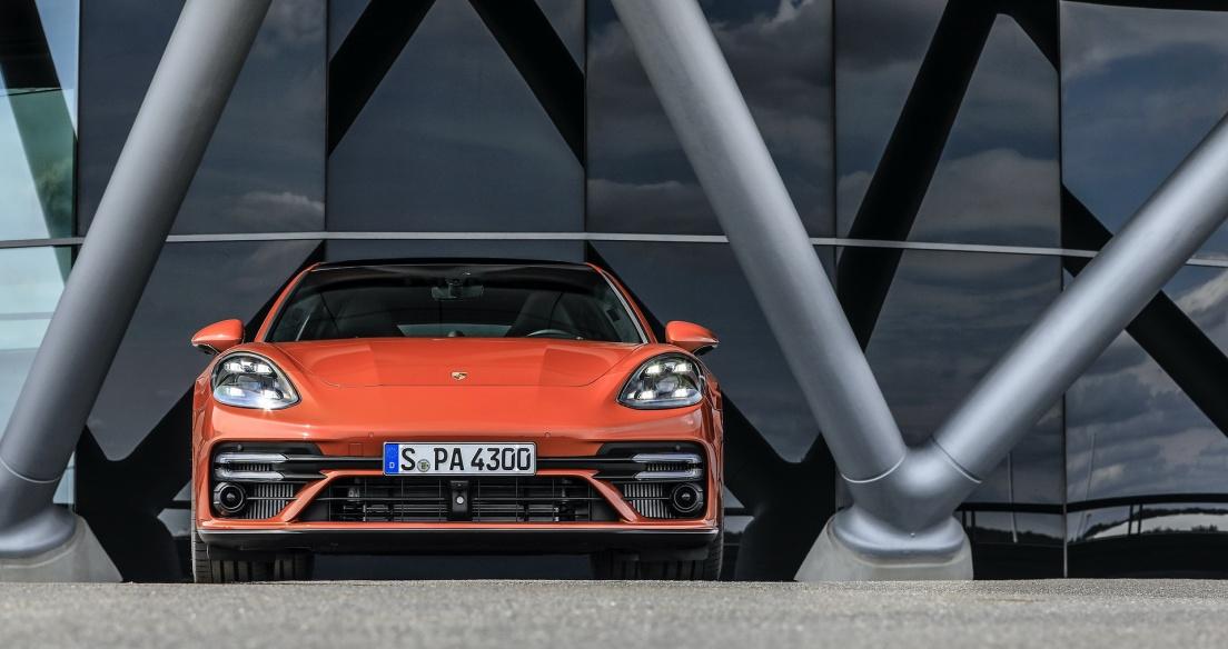 Chiêm ngưỡng vẻ đẹp Porsche Panamera 2021