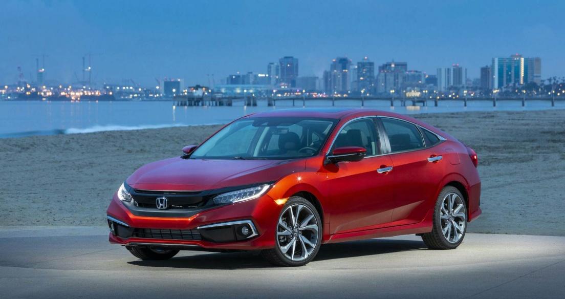 Honda Civic Sedan 2021 loại bỏ số sàn, tăng giá bán