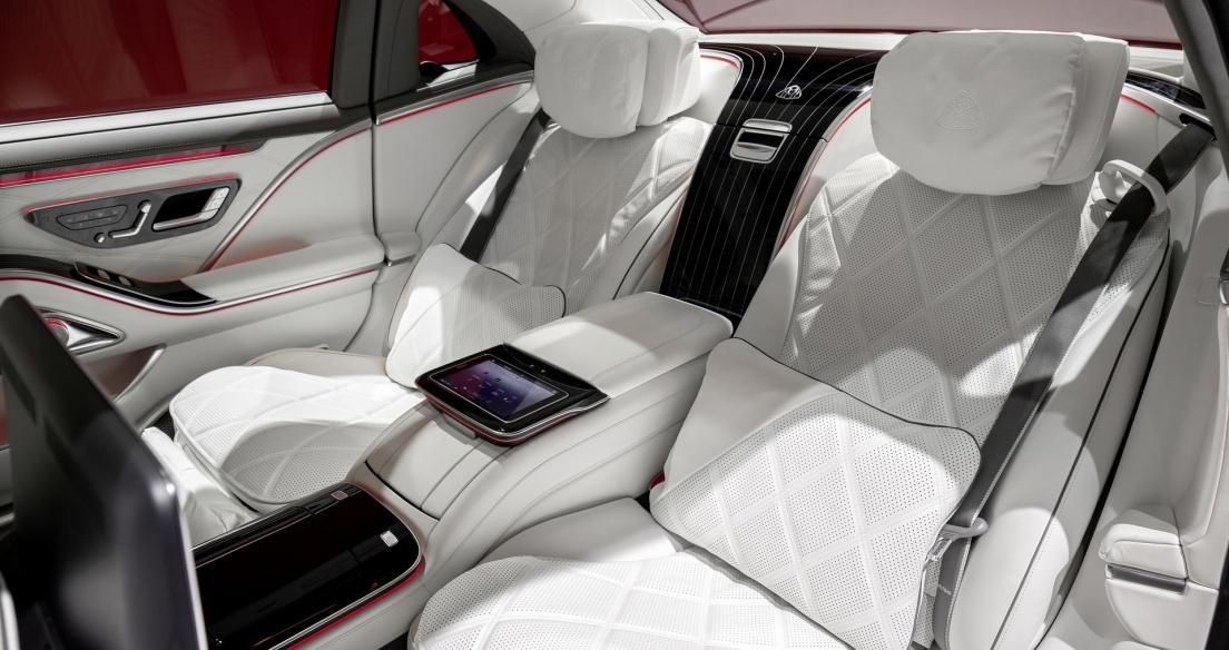 Trợ lý nội thất cực thông minh trên Mercedes-Maybach S-Class 2021