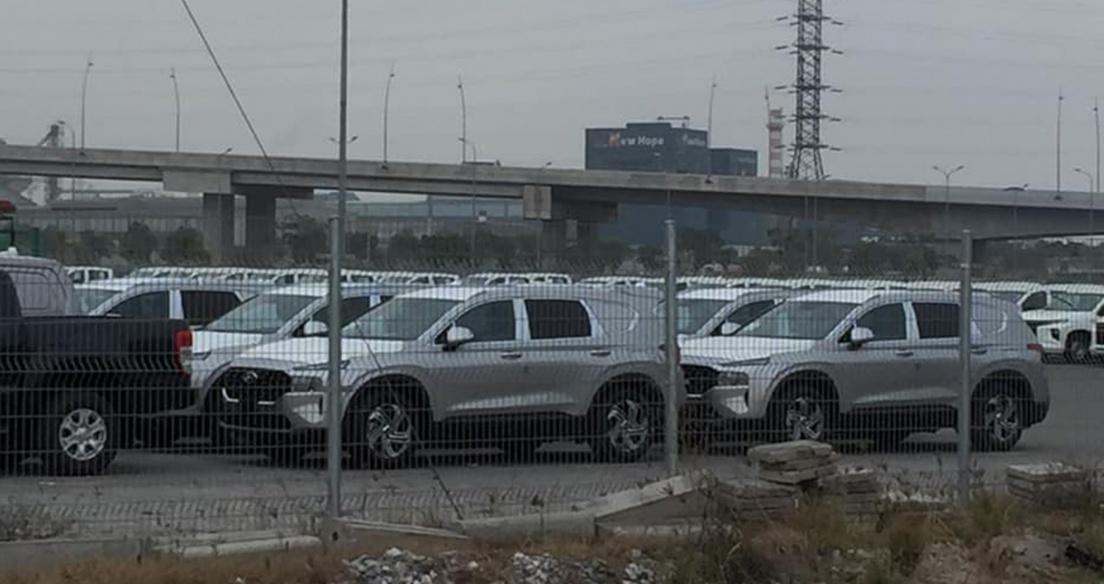 Hyundai Sante Fe 2021 bản xe chuyên dụng cho ngân hàng về Việt Nam