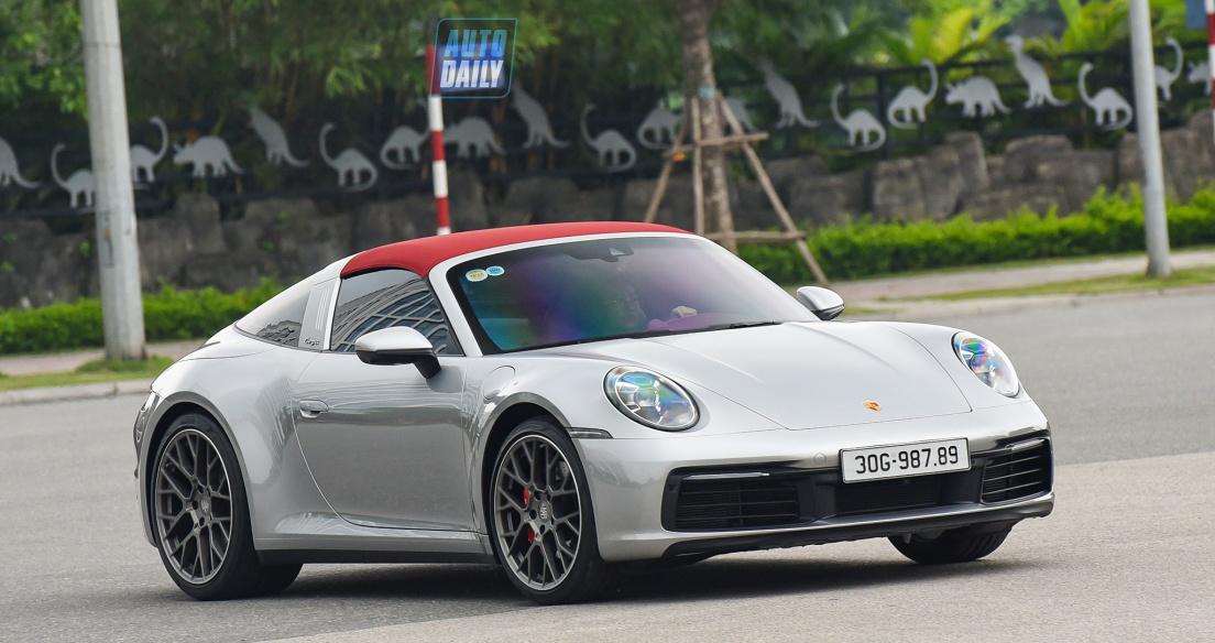 Porsche 911 Targa đời 992 đầu tiên tại Việt Nam ra biển trắng