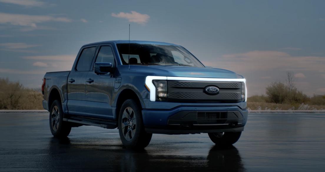 Video: Khám phá siêu bán tải chạy điện Ford F-150 Lightning 2022