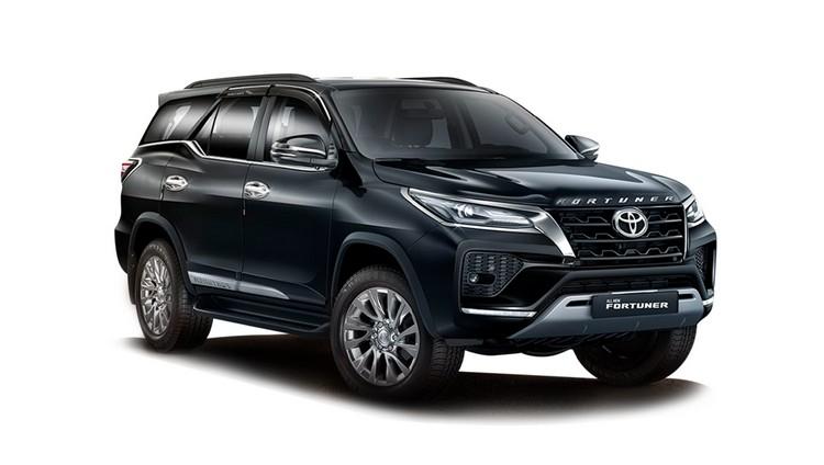 Toyota Fortuner thế hệ mới sẽ được trang bị cửa sổ trời và công nghệ hybrid