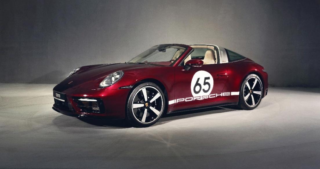 Porsche 911 Targa 4S Heritage Design có giá hơn 11,5 tỷ đồng tại Việt Nam