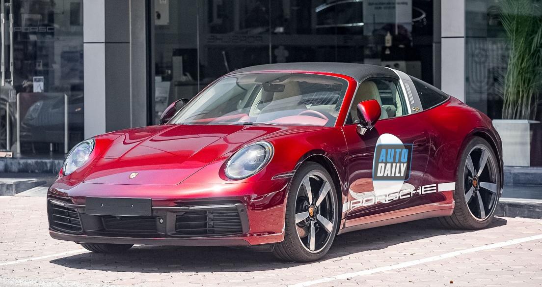 Porsche 911 Targa 4S Heritage Design hơn 11 tỷ xuất hiện tại Hà Nội