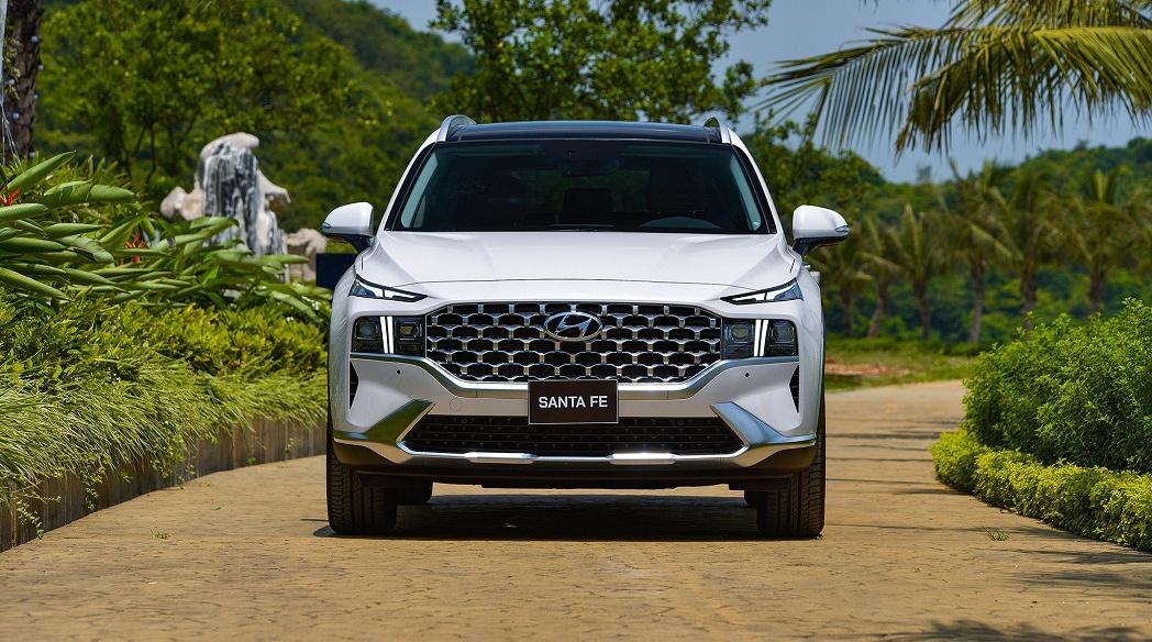 Phân khúc SUV 7 chỗ tháng 5/2021: Hyundai Santa Fe không có đối thủ