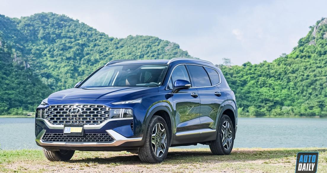 Hyundai Santa Fe bán nhiều hơn Kia Sorento gần 1.000 xe trong tháng 6