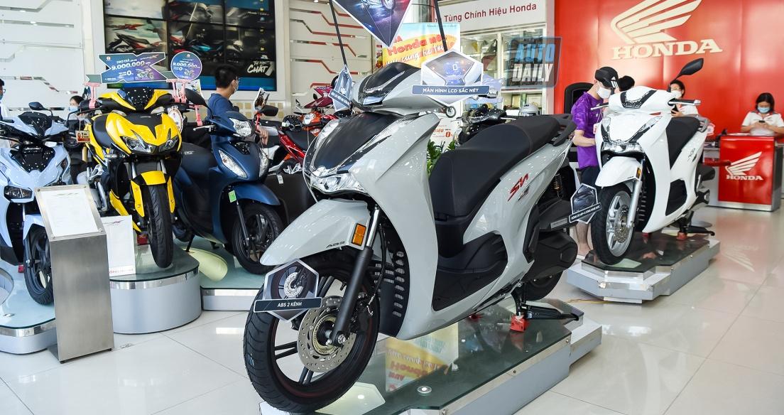 Cận cảnh Honda SH350i 2021 giá từ 146 triệu tại đại lý, xe về rất ít