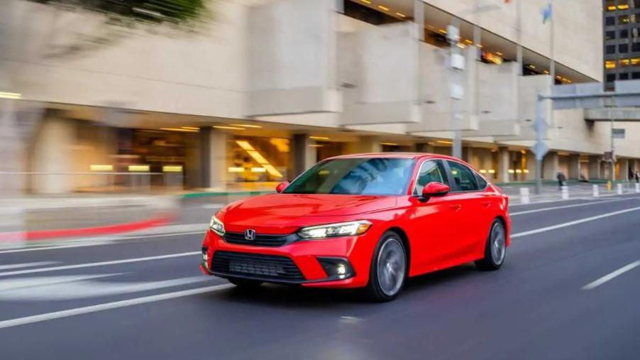 Mới ra mắt, Honda Civic 2022 đã tăng giá bán, khởi điểm từ 22.915 USD