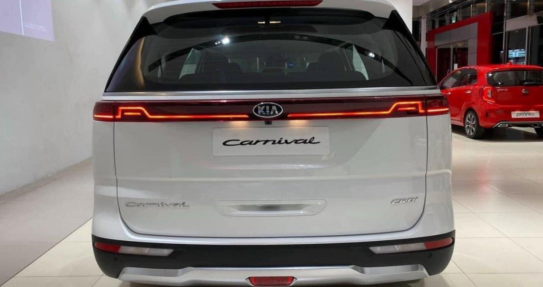 Kia Carnival nhận hàng loạt nâng cấp, khách đặt sớm được giảm 20 triệu