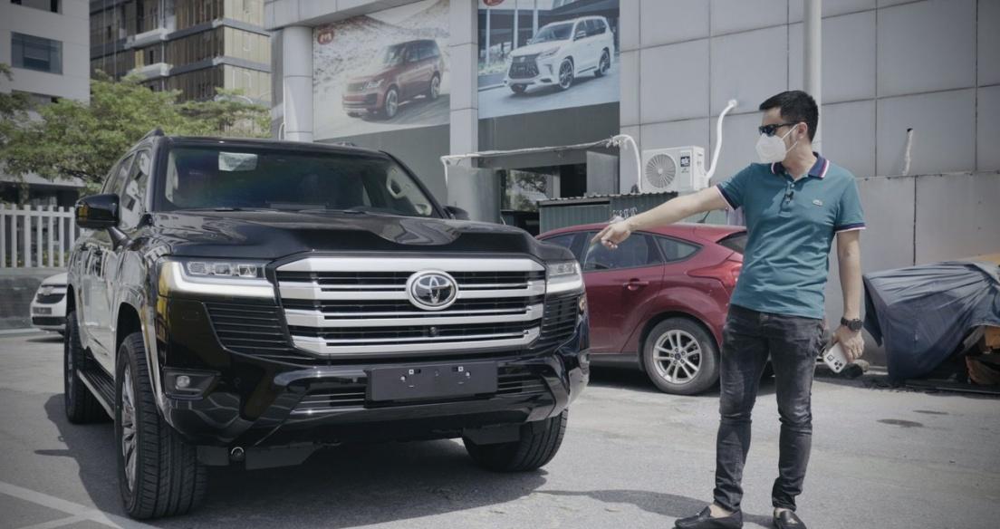"""Giải mã """"cơn sốt"""" Toyota Land Cruiser 2022 tại Việt Nam - Vì sao cháy hàng dù đội giá nửa tỉ...?"""