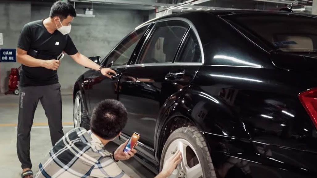 """Mua ô tô cũ - Theo chân thợ đi săn """"hoa hậu"""" Mercedes S550 AMG"""