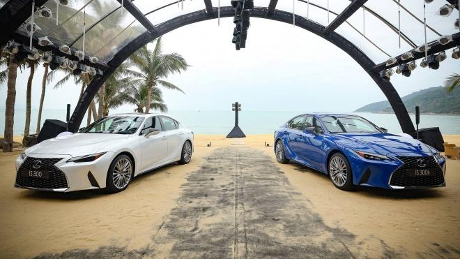 Lexus IS 2021 ra mắt tại Việt Nam với 3 phiên bản, giá từ 2,13 tỷ đồng