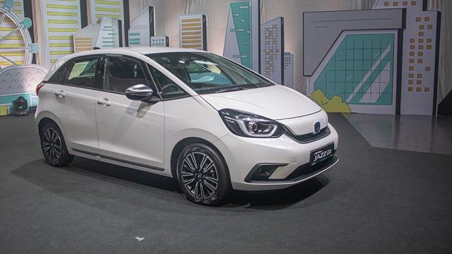 Honda Jazz 2021 cập bến ĐNÁ, giá quy đổi từ 1,7 tỷ đồng