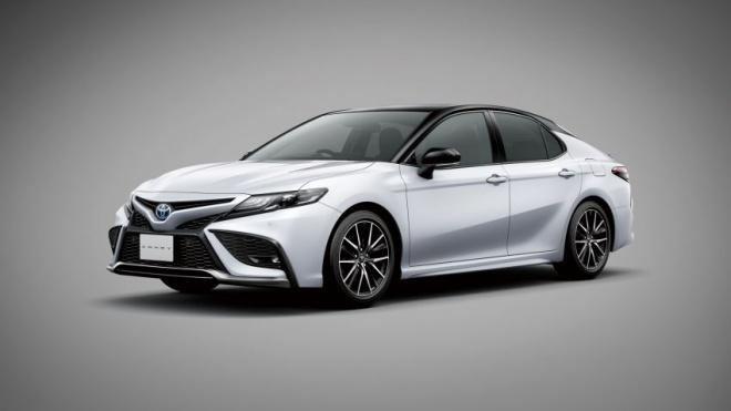 Toyota Camry 2021 ra mắt tại Nhật Bản, giá từ 33.200 USD