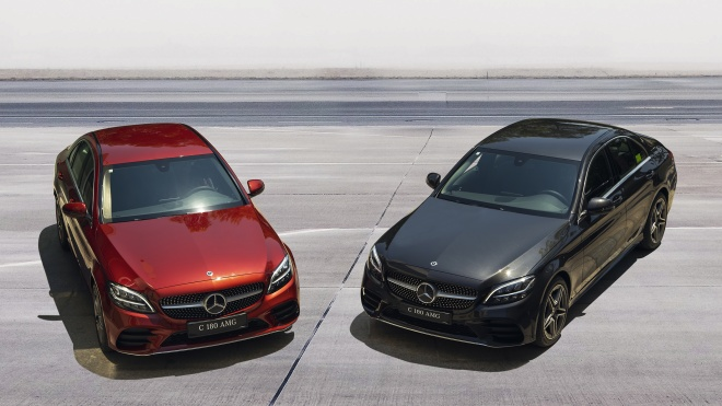 Mercedes-Benz C180 AMG mới tại Việt Nam có giá 1,499 tỷ đồng