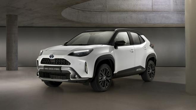 Toyota Yaris Cross thêm bản Adventure mới cứng cáp hơn