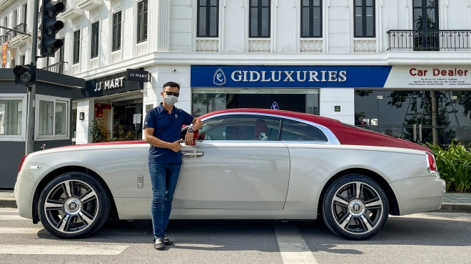 Dạo phố cùng Rolls-Royce Wraith - Coupe siêu sang hàng hiếm tại Việt Nam