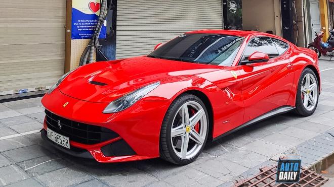 Siêu ngựa Ferrari F12 Berlinetta đầu tiên về Việt Nam tái xuất tại Hà Nội