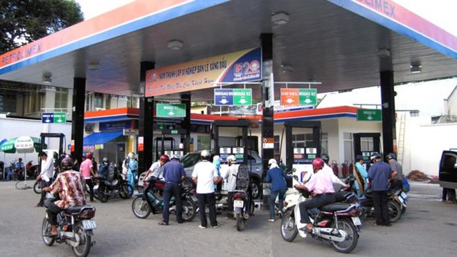 Giá xăng giảm nhẹ từ 15h hôm nay