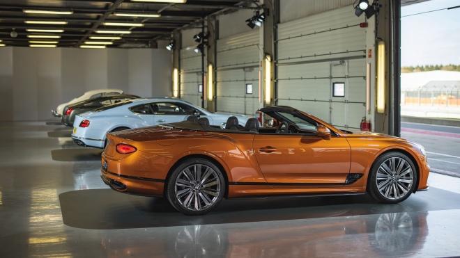 Chán chờ đợi xe mới quá lâu, giới nhà giàu đua nhau mua Rolls-Royce, Bentley cũ