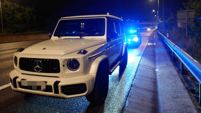 Nữ tài xế lái Mercedes G63 AMG hơn 200km/h vì buồn đi vệ sinh