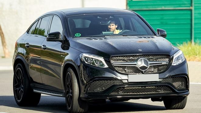 Điểm danh những siêu xe đỉnh nhất Lionel Messi đã và đang sở hữu