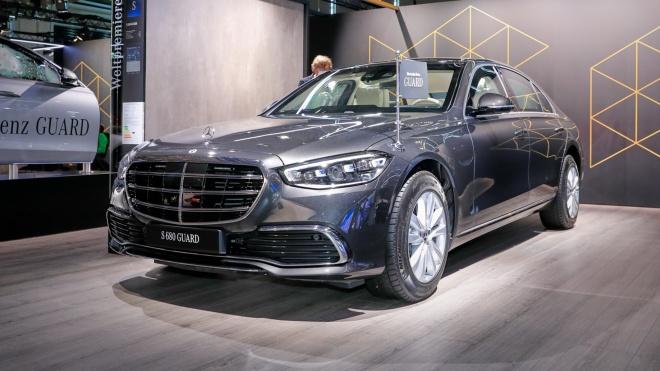 Ảnh thực tế Mercedes-Benz S680 Guard 4Matic 2022 bản bọc thép