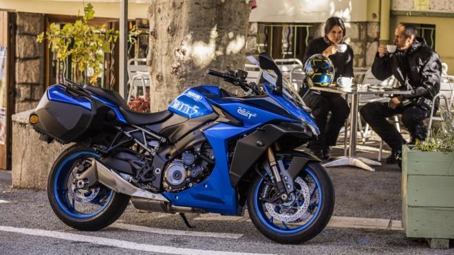 Suzuki GSX-S1000GT 2022 trình làng, đấu Kawasaki Ninja 10000SX