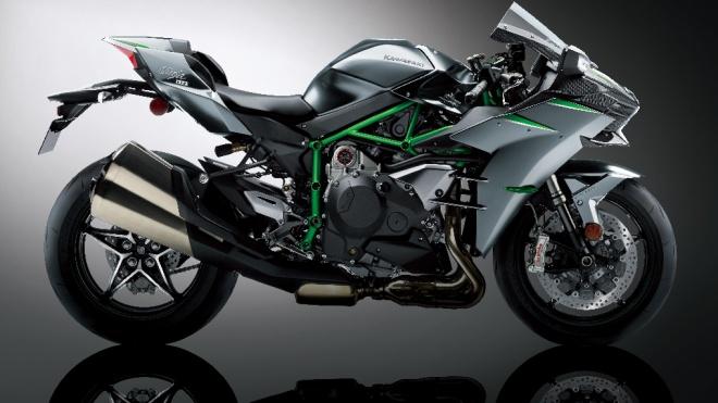 Giá gần 1,3 tỷ đồng, Kawasaki Ninja H2 Carbon 2021 có gì đặc biệt?