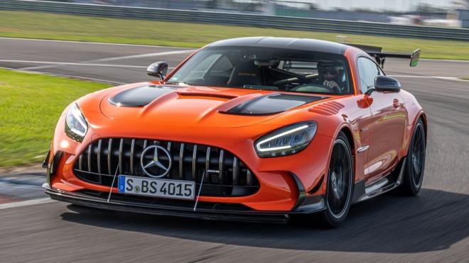 Mercedes-AMG GT Coupe và Roadster sắp đi đến hồi kết