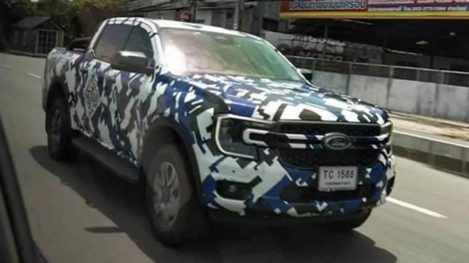 Ford Ranger 2022 bị bắt gặp ngoài đường, thiết kế giống Maverick