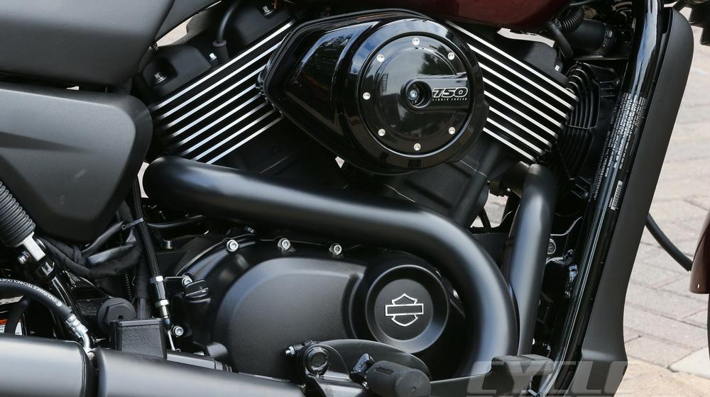 Harley-Davidson-Street-750-BC-engine_resize.jpg