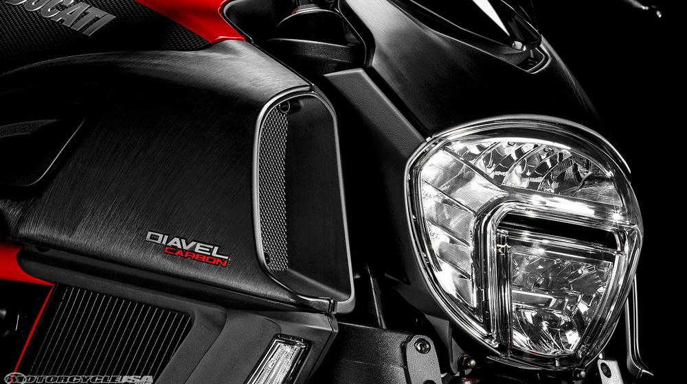 Ducati-Diavel-2015_3.jpg