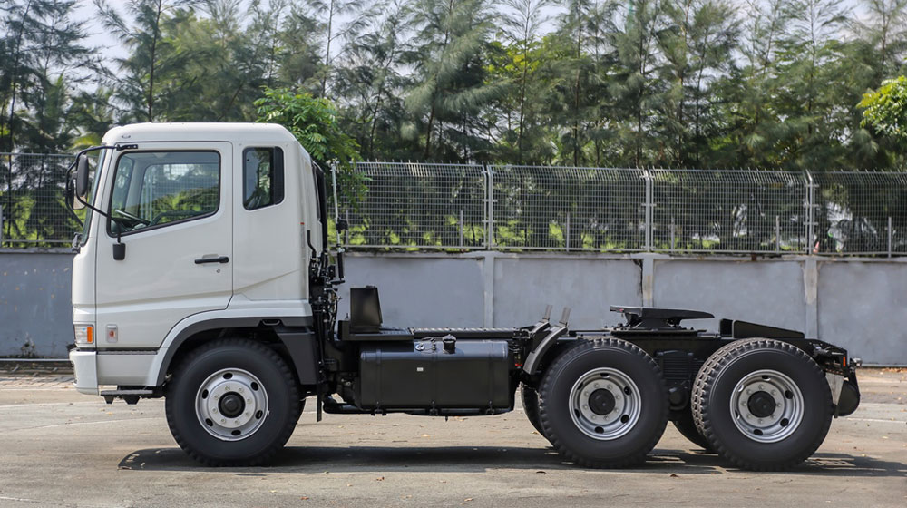 fuso-tractor (3).jpg