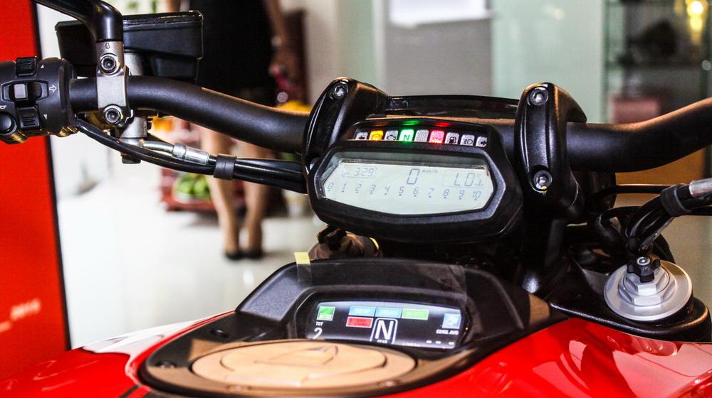 Ducati Diavel 2015 (12).jpg