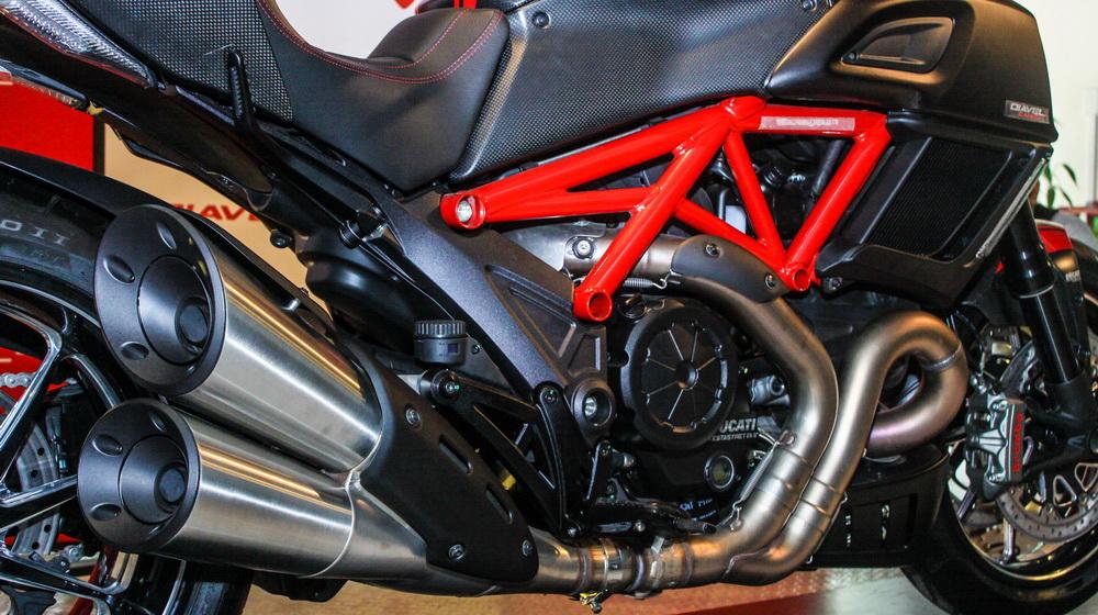 Ducati Diavel 2015 (7).jpg