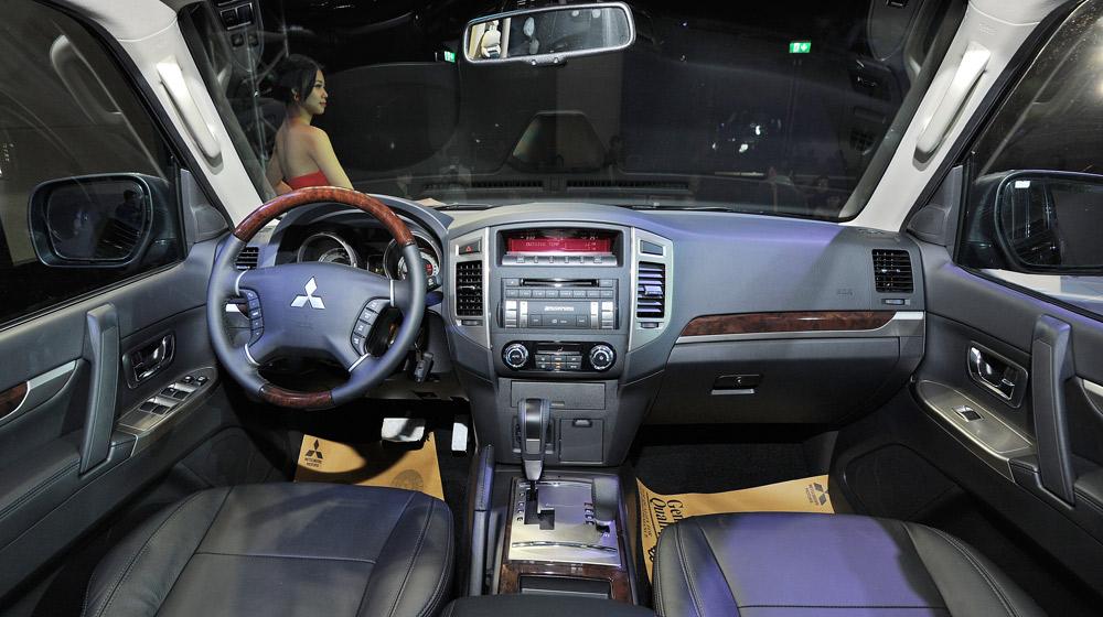 Mitsubishi Pajero Sport (20).jpg