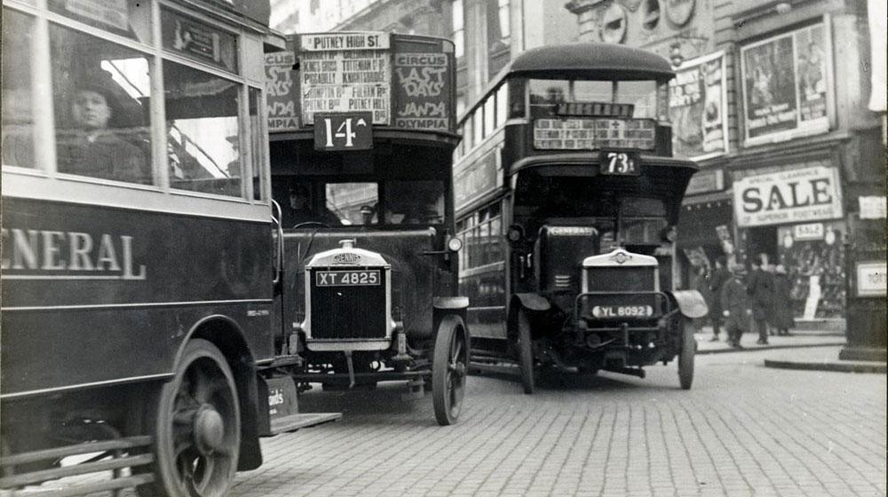 Traffic_in_London_in_1927.jpg
