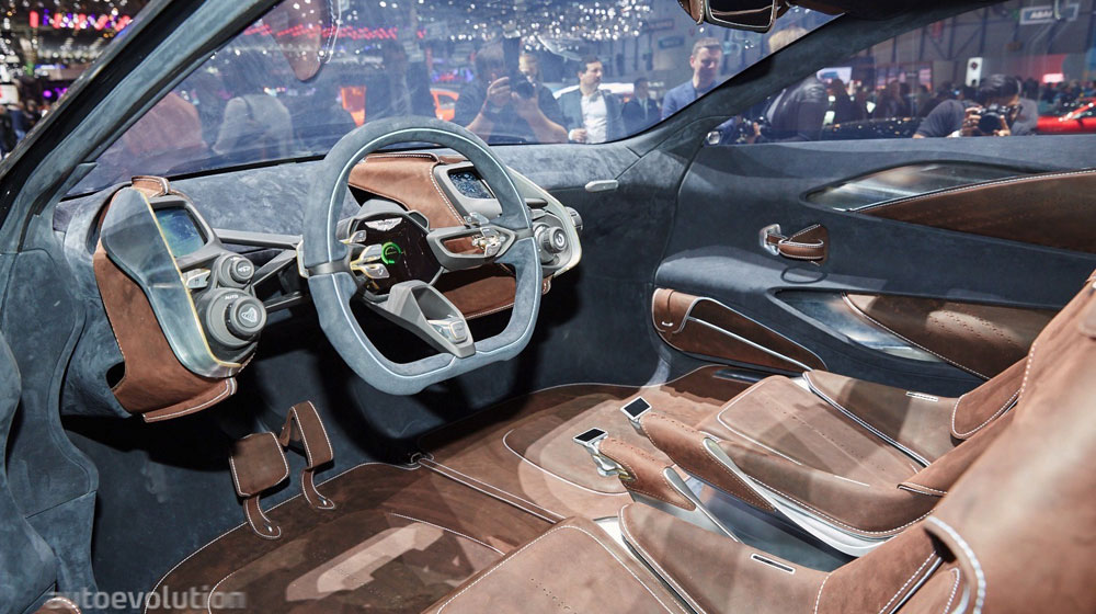 aston-martin-picked-geneva-to-launch-its-electric-dbx-concept-live-photos_4-(1).jpg