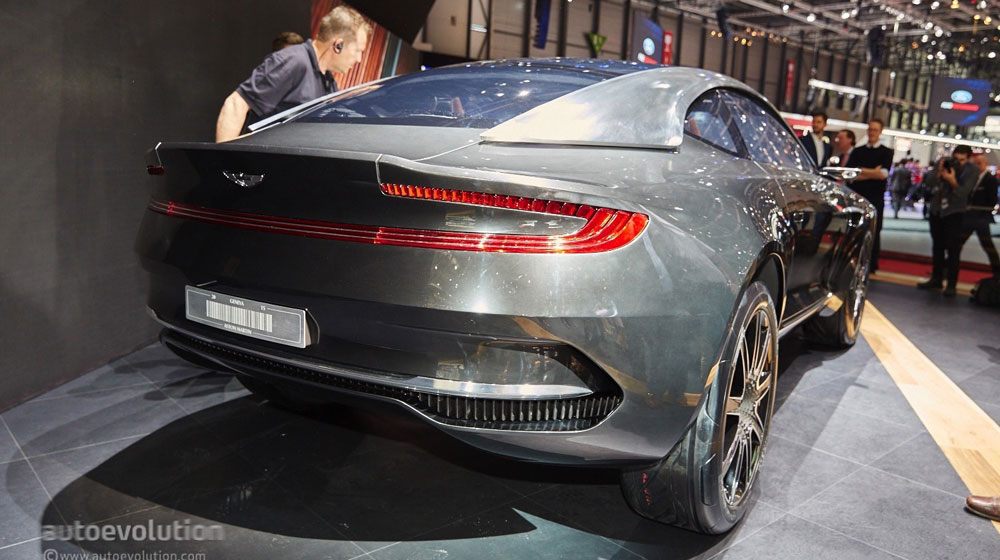 aston-martin-picked-geneva-to-launch-its-electric-dbx-concept-live-photos_7-(1).jpg