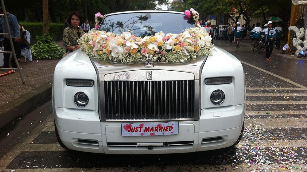 Rolls-Royce xe hoa (1).jpg