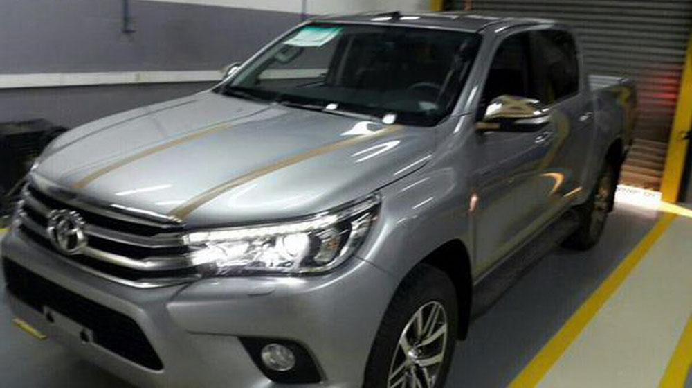2016-Toyota-Hilux-1.jpg