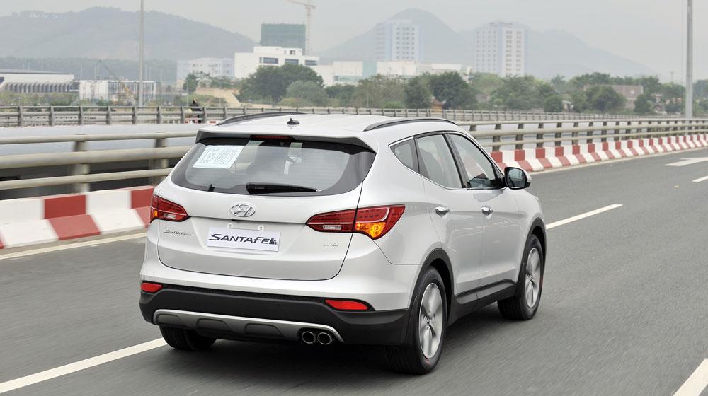 Hyundai-SantaFe-2015-(4).jpg