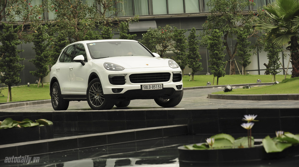 Porsche Cayenne 2015 (1).jpg