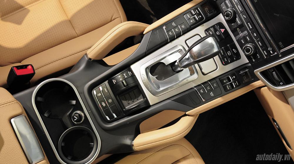 Porsche Cayenne 2015 (54).jpg